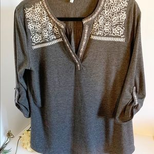 Nostalgia Grey Embroidered Top! Size Large